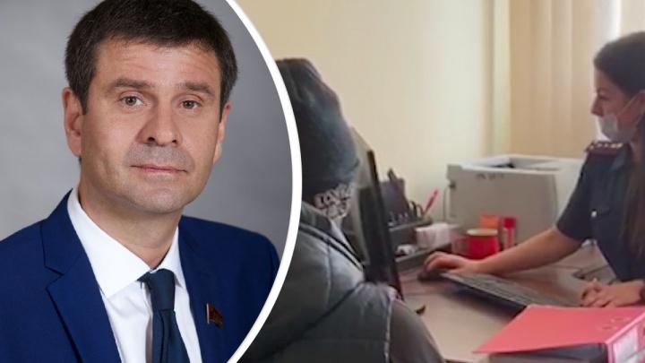 Руководитель крайкома КПРФ в Красноярске назвал абсурдным задержание депутата-однопартийца Козина