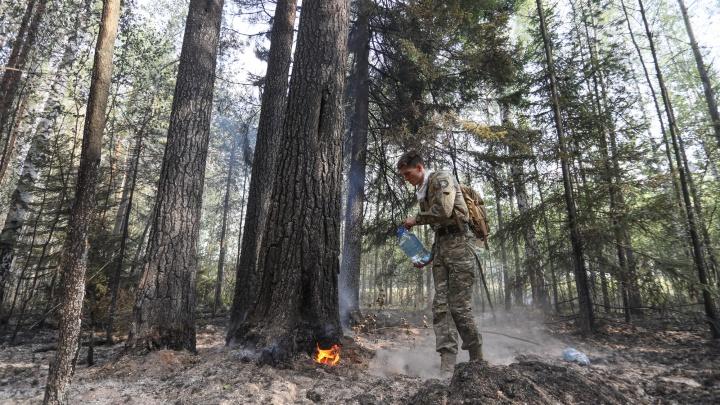 От парня-модели до работяги с завода: кто тушит сильные лесные пожары под Екатеринбургом