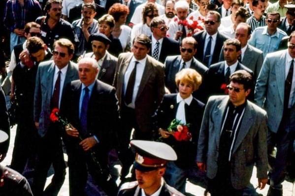 Михаил Горбачёв во время визита в Волгоград в 1996 году