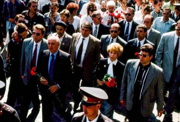 «Мы всё еще живем в эпоху перестройки»: политолог о желании возврата в СССР и юбилее Горбачёва