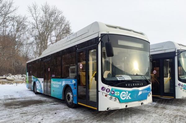 """20 новых автобусов на метане выйдут на маршрут <nobr class=""""_"""">№ 22</nobr> в этом году"""