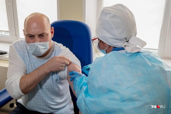 Массовую вакцинацию планируют начать уже 18 января