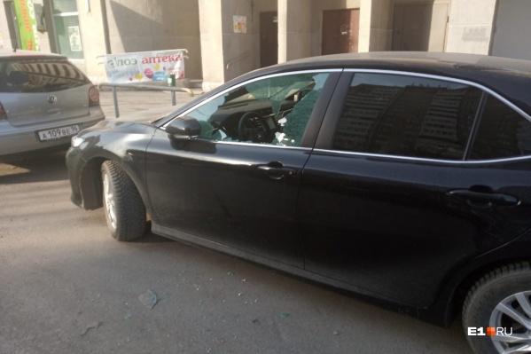 Такими автомобилисты обнаружили свои машины утром