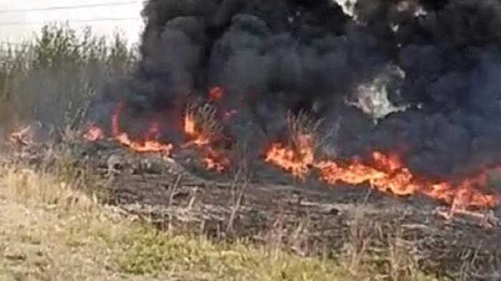 В Екатеринбурге произошел крупный пожар у мебельной фабрики