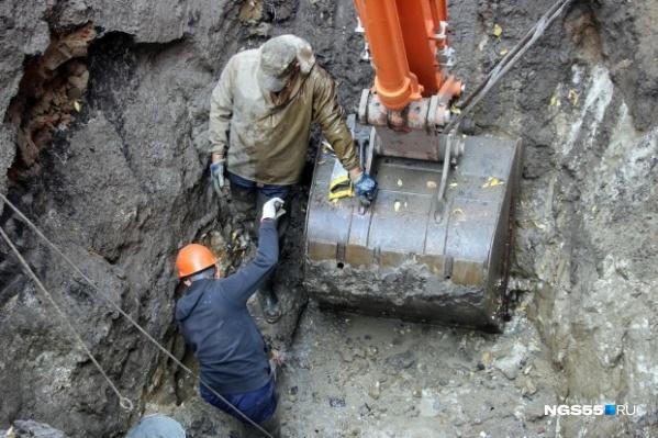 По словам жителей, их насос не может конкурировать с водозабором сельскохозяйственной станции
