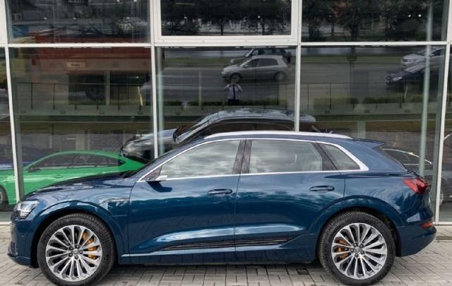 Дорогое электричество: уральские энергетики возьмут в аренду три электромобиля Audi