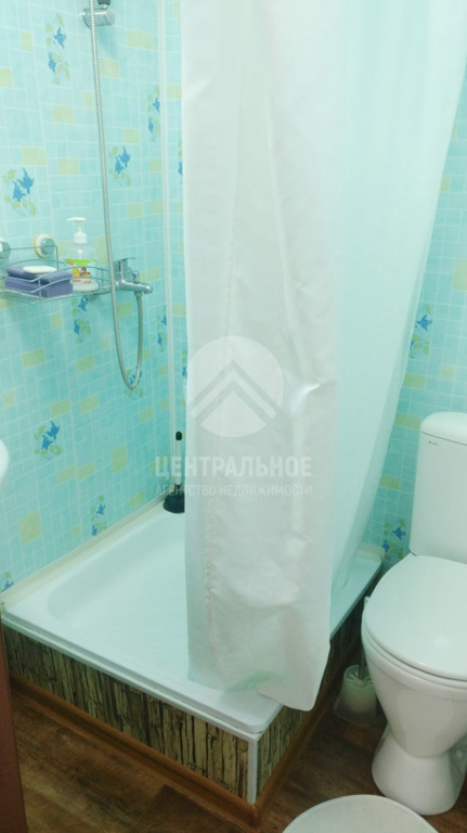 В ванной комнате тесновато, зато есть всё необходимое