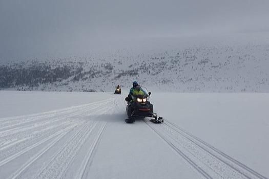 Лыжницу, получившую обморожение, эвакуировали на снегоходе