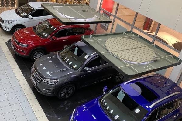 В автосалоне «Чанган центр СИАЛАВТО» автомобили представлены в трех моделях — CS35PLUS, CS55 и CS75FL
