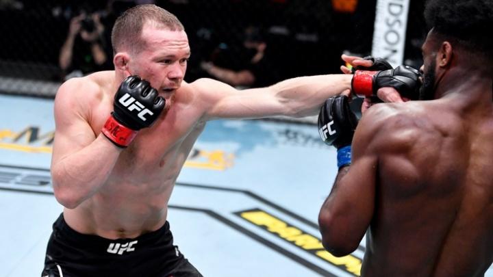 Омич Пётр Ян потерял титул чемпиона UFC в легчайшем весе из-за запрещенного приема