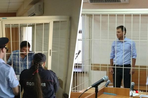 На скамье подсудимых Михаил Архипов (справа) попал вместе с родным братом (слева)