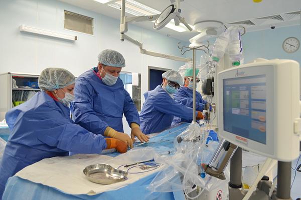 Врачи югорского кардиодиспансера провели серию операций по новой методике