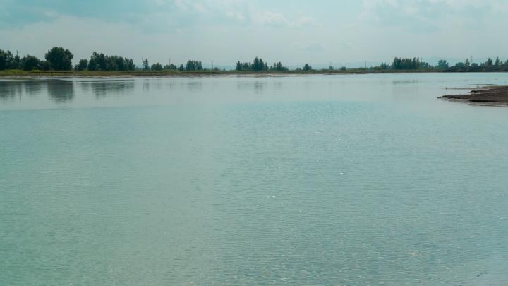 В районе ТЭЦ-3 нашли место для фотосессии с бирюзовой водой