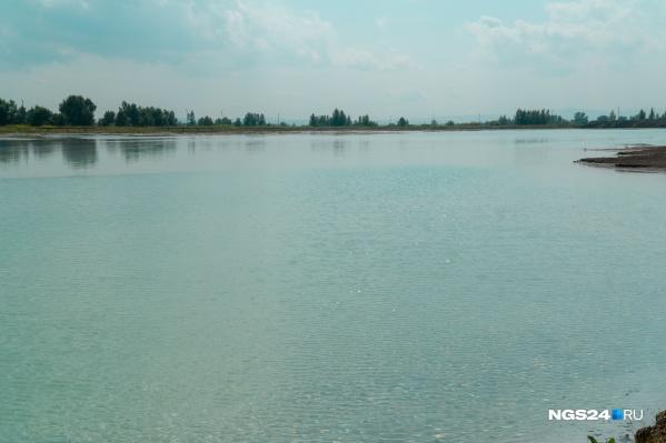 """Водоемы с бирюзовой водой находятся в районе <nobr class=""""_"""">ТЭЦ-3</nobr>"""