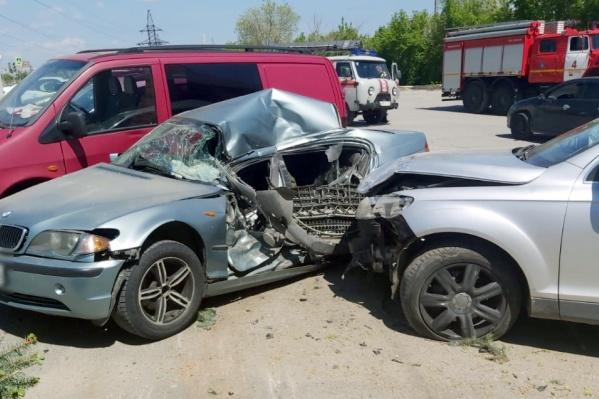 В аварии пострадали четыре автомобиля