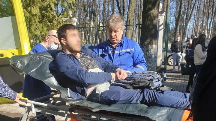 Очевидцы — о нападении на студента Демидовского университета: «Кровь удерживал преподаватель»