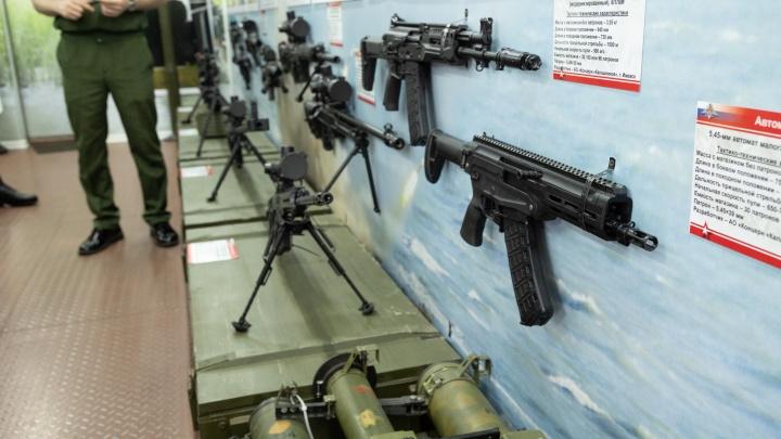 Эшелон с военной техникой сделал в Красноярске остановку на 4 часа
