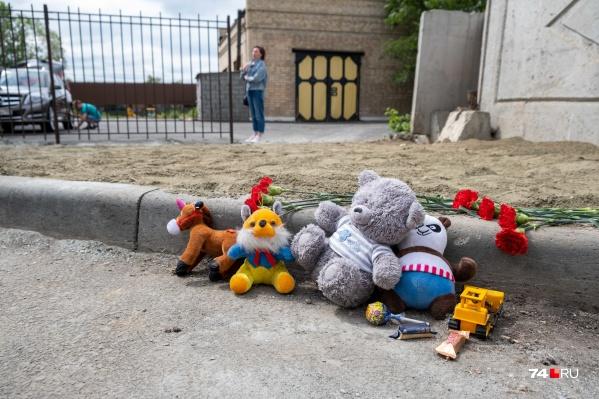 Врачи час пытались спасти пострадавшего от удара током ребенка, но он погиб