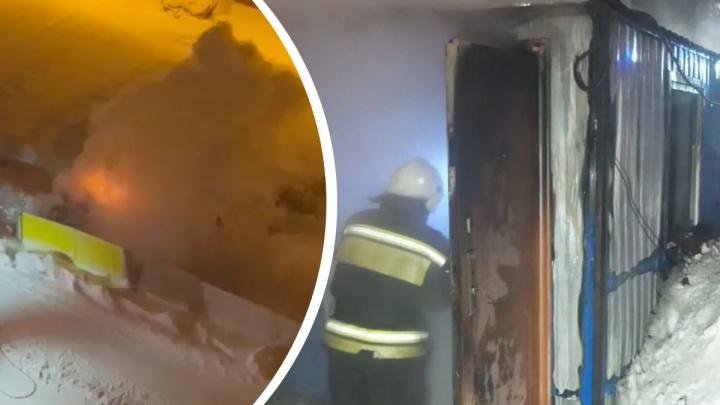 В пожаре напротив Южного автовокзала пострадал охранник