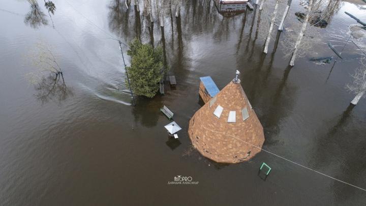 В Ярославле затопило полуостров у Московского проспекта. Аэросъемка
