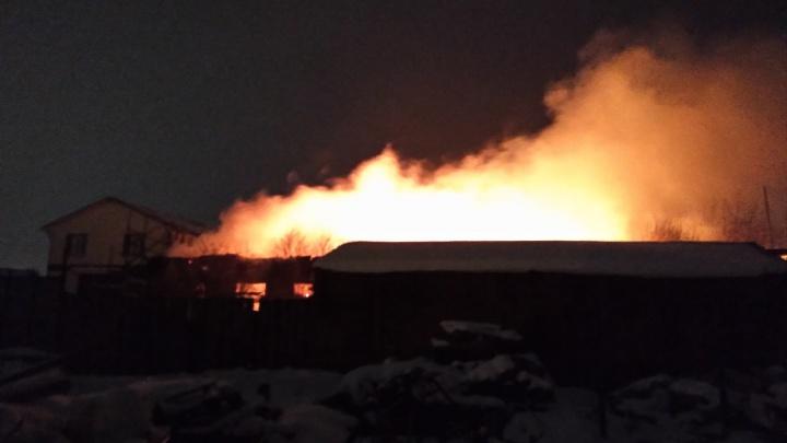 На пожаре под Тюменью погиб мужчина