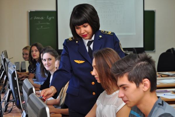 В ЧИПС УрГУПС готовят специалистов непосредственно под предприятия, с учетом актуального спроса крупнейших работодателей региона