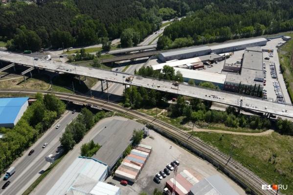 """Мост на Блюхера полностью закрыт с <nobr class=""""_"""">1 мая</nobr>"""