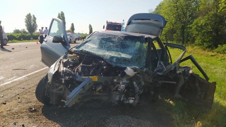 Из пяти человек в одной машине в ДТП на Кубани выжила только именинница