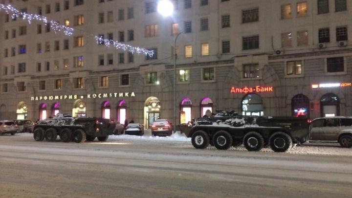 В ЦВО объяснили, почему по дорогам Новосибирска проехала военная техника