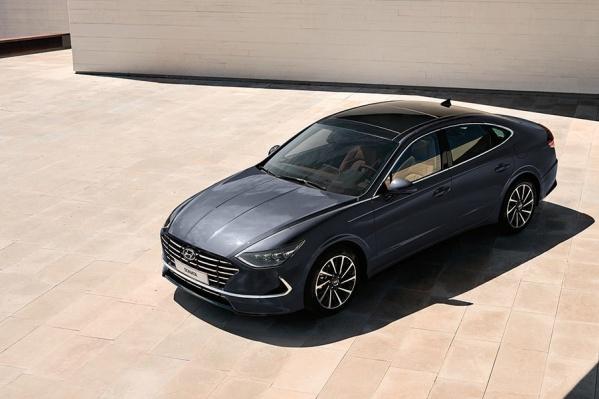 Hyundai Sonata — один из автомобилей, который подходит по техническому заданию закупки