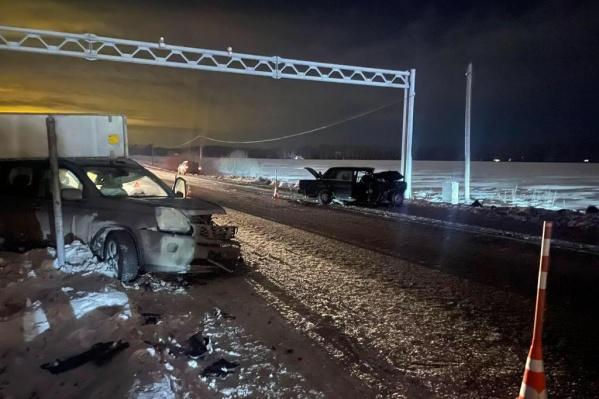 Пассажирам и водителям обеих машин понадобилась медицинская помощь
