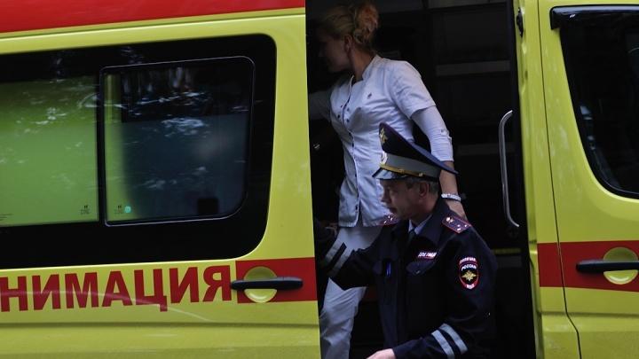 В Екатеринбурге мать с младенцем на руках выпрыгнула из квартиры