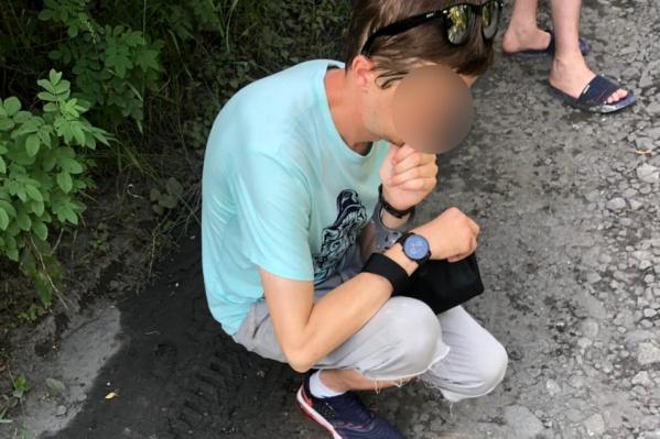Мужчину поймали в 300 метрах от остановки общественного транспорта в районе коллективного сада «Визовец»