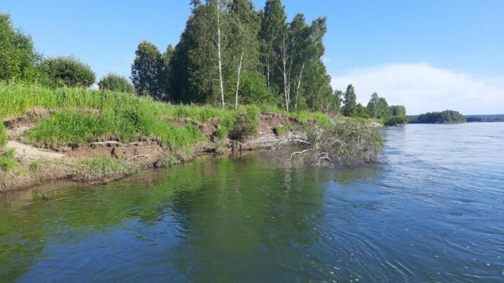 На юге края из реки достали тело первоклассника, погибшего вместе с дядей