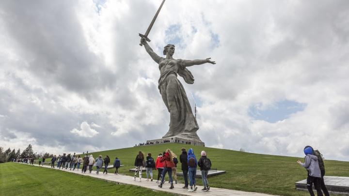 «Ветераны нас поддержат»: Андрей Бочаров потребовал за четыре года реконструировать федеральный Мамаев курган