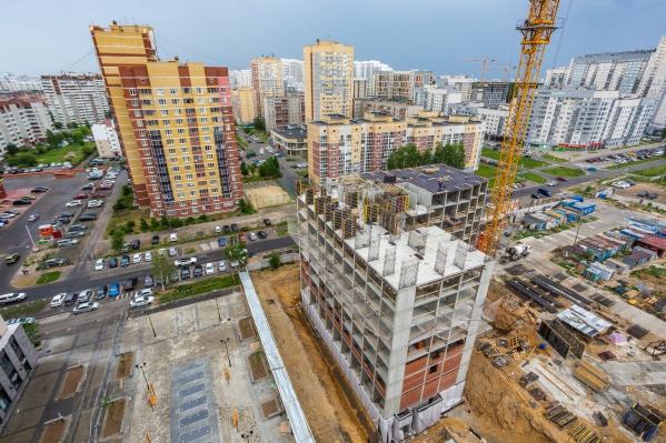 В новом квартале строят уже четвертый дом