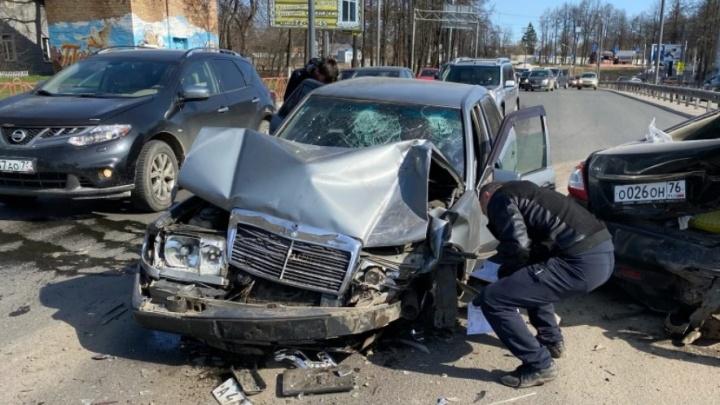 Здесь постоянно ДТП: назвали самые опасные места на дорогах Ярославля. Карта