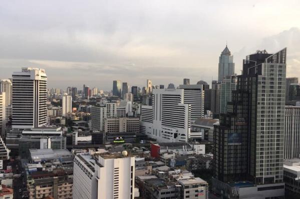 Это уже вид из отеля на Бангкок