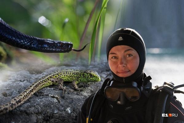Елена Малафеева для нужного кадра долго высматривает местность и ждет подходящую погоду
