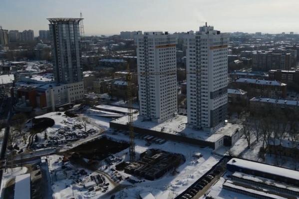 """Жилой комплекс будет включать в себя четыре <nobr class=""""_"""">27-этажных</nobr> дома"""