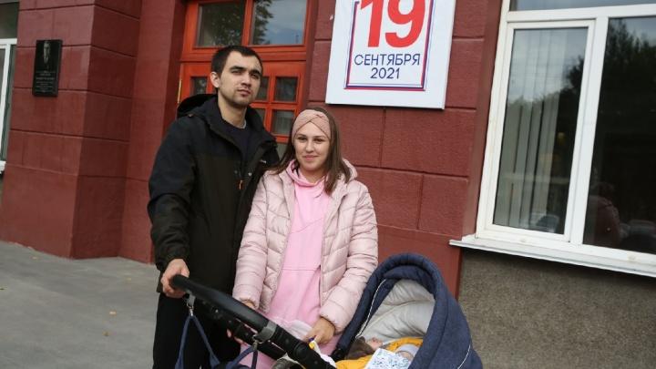 Мурманск голосующий: фоторепортаж с избирательных участков