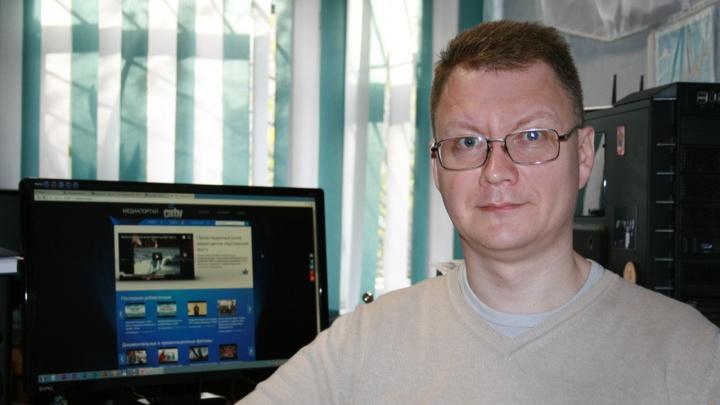 В Архангельске под колесами поезда погиб телережиссер Дмитрий Коротов