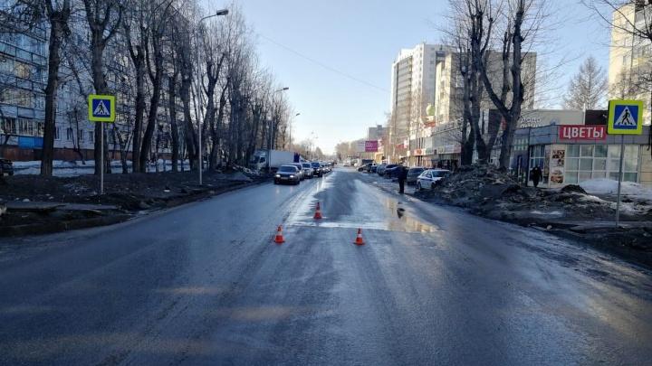 В Новосибирске водитель сбил 17-летнюю девушку на пешеходном переходе