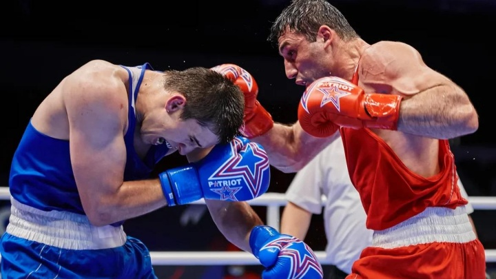 В зале будет Костя Цзю: десять уральских боксеров сразятся за 10 млн рублей. А зрители смогут выиграть iPhone