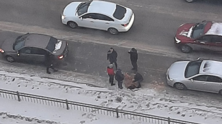 «Его укрыли»: на Щербакова автомобилист сбил ребенка