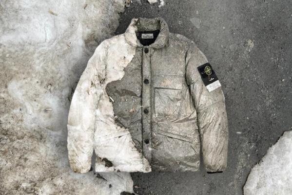 На картинке куртка, дизайн которой разработала Анна Голубь, наложена на фон, который стал принтом