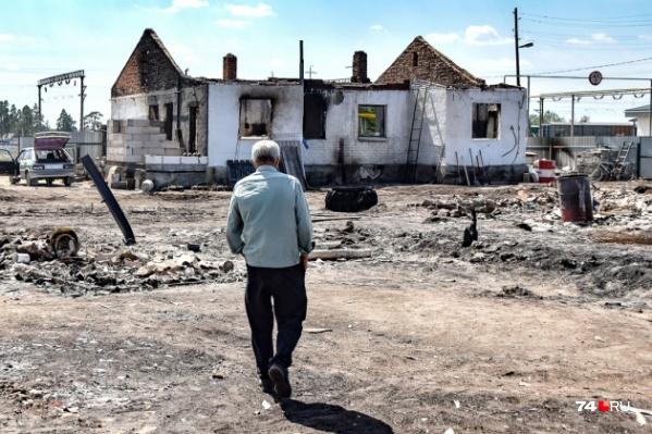 Застройщики начали обсуждать проекты домов с погорельцами на юге области