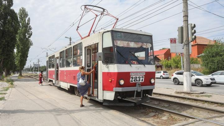 Мэрия Волгограда пообещала восстановить движение трамваев на Ангарском к 9 мая