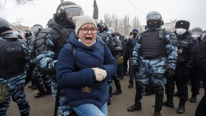В Волгограде задержали 42 участника несанкционированной акции