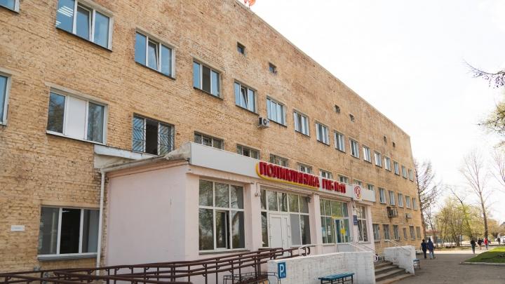 В омской больнице покончил с собой больной коронавирусом омич